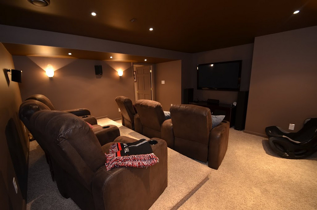 Seven Tips To Set Up A Mini Home Theater In Your Hdb Flat